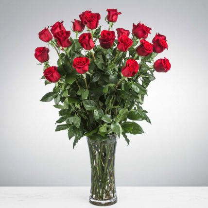 Heartfelt Love Red Roses In Glass Vase: Egypt Gift Delivery
