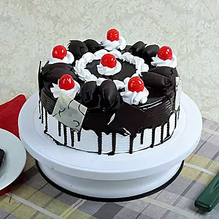 Black Forest Gateau: Gift Delivery to India