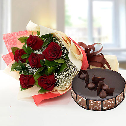 Elegant Rose Bouquet With Chocolate Cake KT: Kuwait Flowers