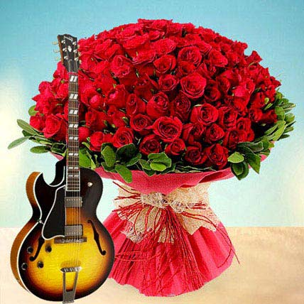 100 Reasons to Fall in Love: Flowers & Guitarist Service