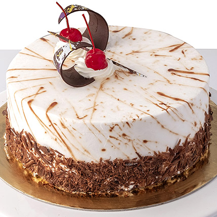 4 Portions Black Forest Cake: Best Cakes In Dubai
