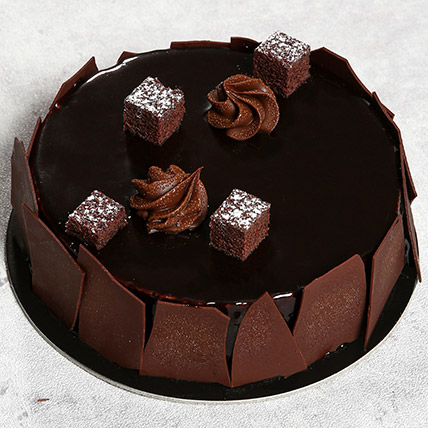 Chocolate Sponge Cake: Birthday Gifts to Ajman