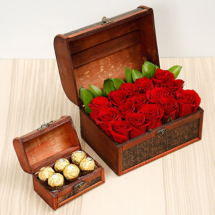 Elegant Box Of 15 Red Roses and Chocolates: Valentine Flowers & Chocolates