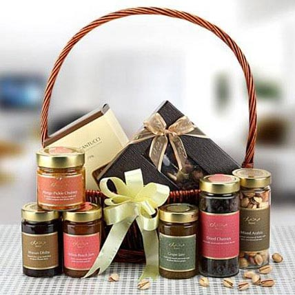 Handful of Surprise: Ramadan Gifts to Dubai