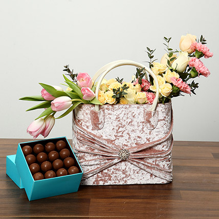 Pink and Peach Flowers With Chocolates Combo: