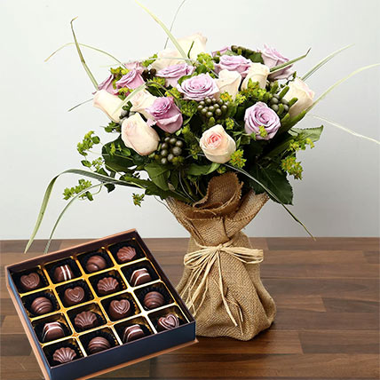Purple and Peach Rose Bouquet With Chocolates: