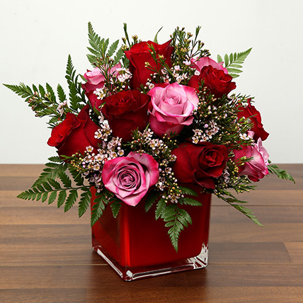 Red and Pink Roses In A Vase: Valentine Flowers for Her