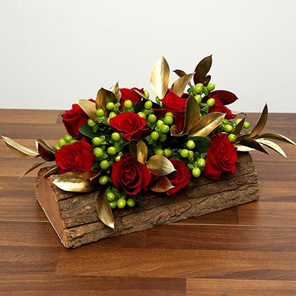 Red Roses In Wooden Base: Valentine Flowers in Dubai