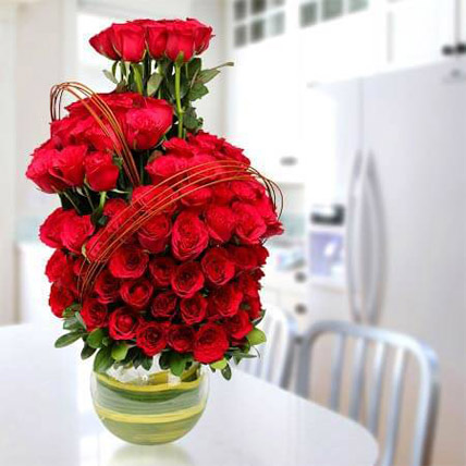 Romantic Arrangement: Hug Day Flowers