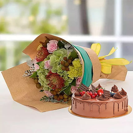 Royal Flower Bouquet With Chocolate Fudge Cake: Fathers Day Flowers & Cakes