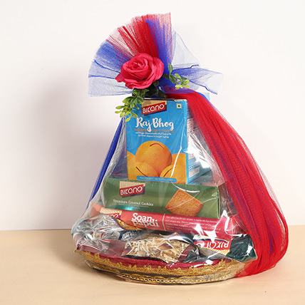 Snacks and Dry Fruits Hamper: Diwali Gifts