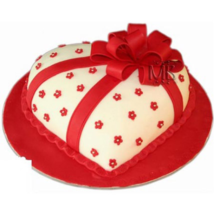 Special Hearshape Cake: Heart Shaped Cake Delivery
