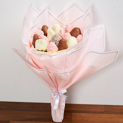 Strawberry Bouquet: Newborn Baby Gift Ideas