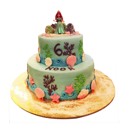 Red haired Princess Cake: Cinderella Birthday Cakes