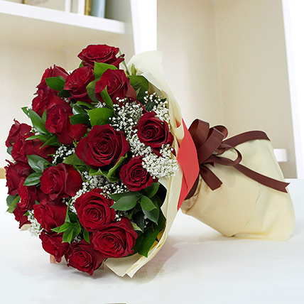Lovely Roses Bouquet: Birthday Flower Bouquets