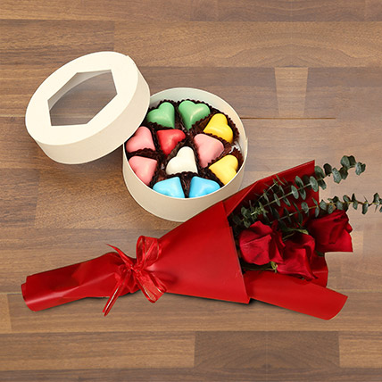 Roses with Heartshape Chocolates: Valentine Gifts for Wife