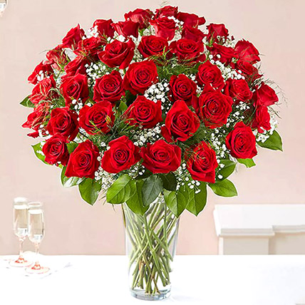 Bunch of 50 Scarlet Red Roses: Anniversary Gifts to Sharjah
