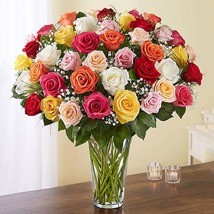 Bunch of 50 Assorted Roses In Glass Vase: