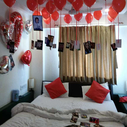 Personalised 25 Red Helium Balloons Decor: Party Supplies