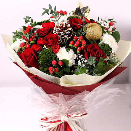 Christmas Themed Floral Bouquet: Christmas Gift Ideas
