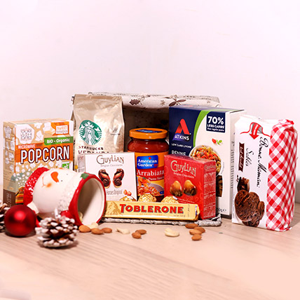 Delicious Treats Holiday Basket: Christmas Gift Hampers