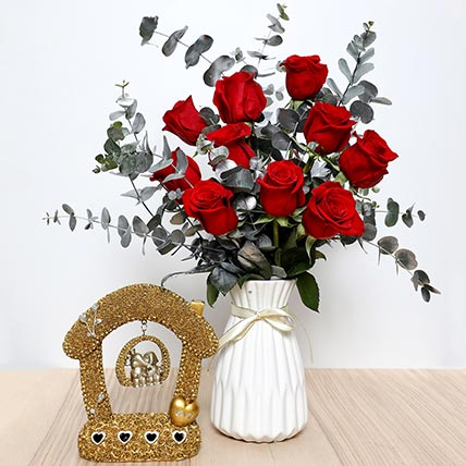 Red Roses Ceramic Pot  and Couple Idol: Valentine Day Gift Hampers to Sharjah