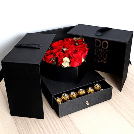 Luxurious Roses and Chocolate Box: Valentine Day Gift Hampers to Umm Al Quwain