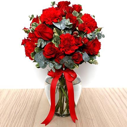 Romantic Red Flowers Vase: Flower Delivery Ajman