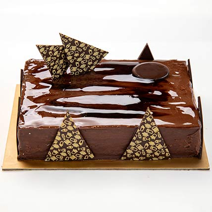 Chocolate Ganache Cake: Cake Shops