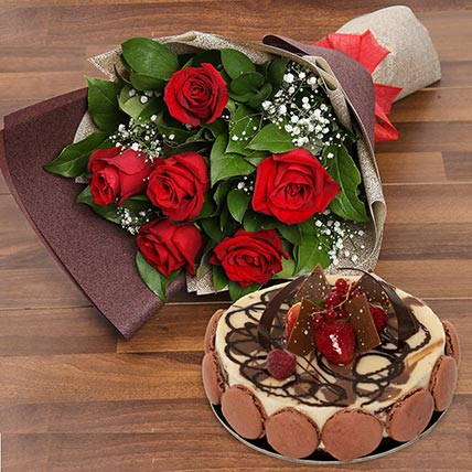 Enchanting Rose Bouquet With Marble Cake: