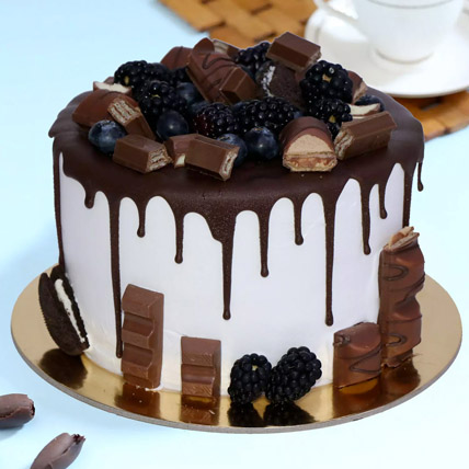 Delicious Choco Vanilla Cake: Happy Birthday Cakes