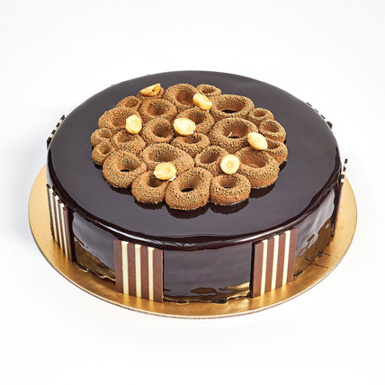 Crunchy Chocolate Hazelnut Cake: Cake Shops