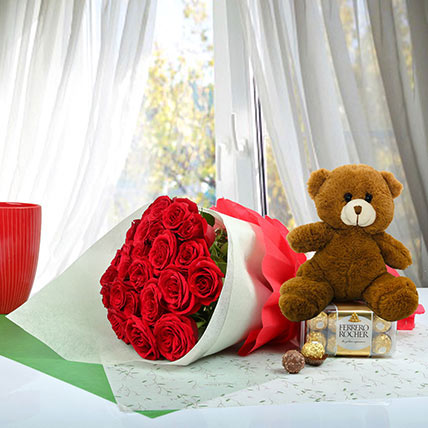 Cute Gift Hamper For U: Teddy Day Flowers and Teddy Bears