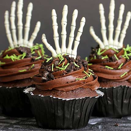 Skeleton Claw Cup Cakes: Halloween Cupcake Ideas