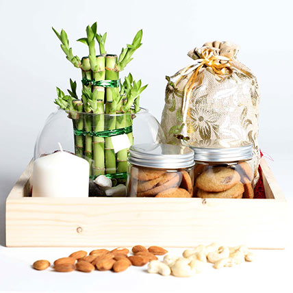 Snack Treat with Bamboo: Gift Hampers