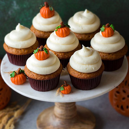 Pumpkin Topping Cupcakes: Thanksgiving Gift Ideas