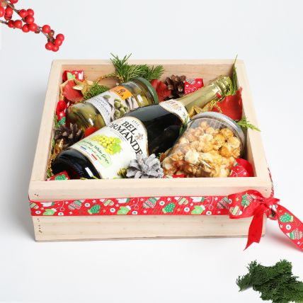 Bubbles and Munchies in Wooden Tray: Gift Hampers