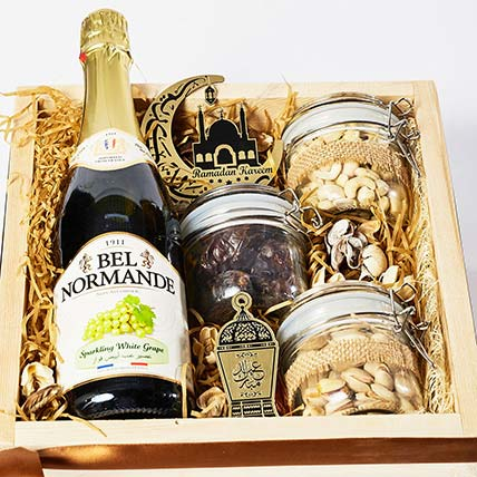 Ramadan Special Dry Fruits N Juice Tray Hamper: Gift Hampers