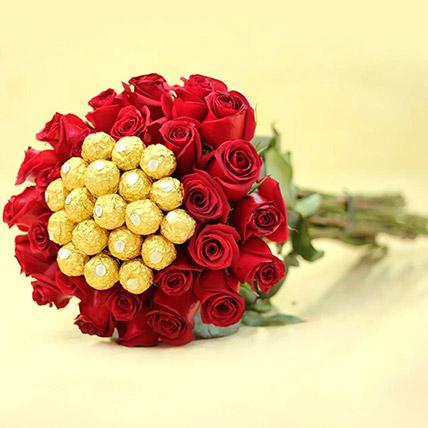 Ferrero Rocher And Rose Arrangement: Flower Delivery Pakistan