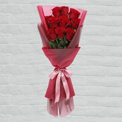 10 Red Roses Lovely Bouquet: Send Gifts to Qatar